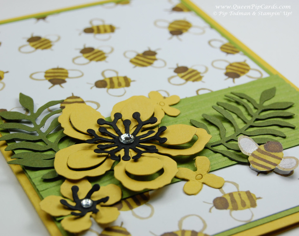 Botanicals Bee small 1