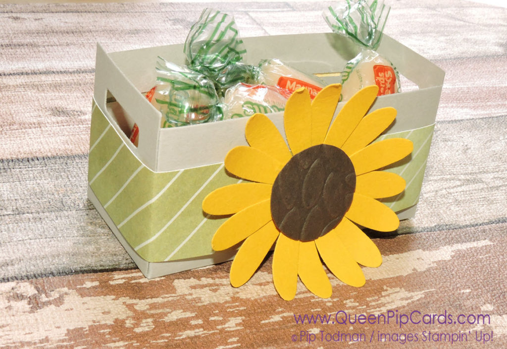 3 Quick and Simple Gift Ideas for Autumn. Wood Crate with Sunflower using Daisy Punch Pip Todman Queen Pip Cards UK Stampin' Up! Demonstrator www.queenpipcards.com fb.me/QueenPipCards #queenpipcards #stampinup #papercraft #inspiringyourcreativity