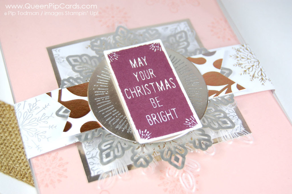 A Perfect Gift Box needs some Winter Wonder embossing too! Pip Todman Crafty Coach & Stampin' Up! Demonstrator in the UK Queen Pip Cards www.queenpipcards.com Facebook: fb.me/QueenPipCards #queenpipcards #stampinup #papercraft #inspiringyourcreativity