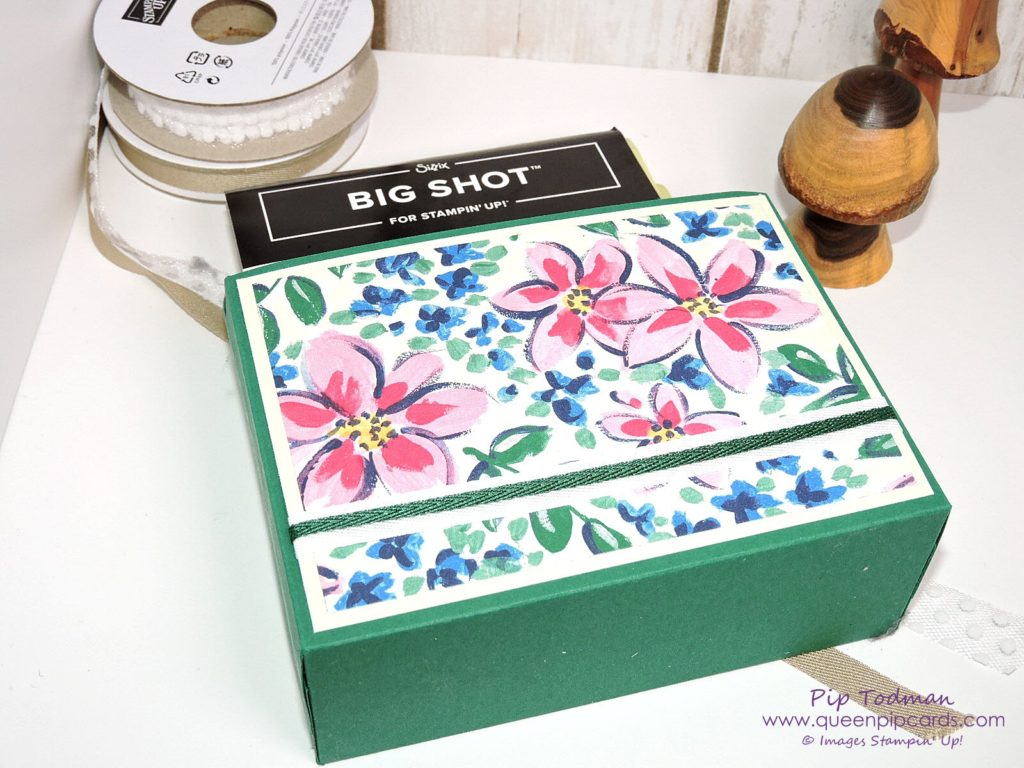 Garden Impressions Organiser Boxes to look after your framelits and embossing folders - both small and large sizes! Check out my video and the measurements on my blog! All Stampin' Up! products available from my online store here: http://bit.ly/QPCShop Pip Todman Crafty Coach & Stampin' Up! Top UK Demonstrator Queen Pip Cards www.queenpipcards.com Facebook: fb.me/QueenPipCards #queenpipcards #inspiringyourcreativity #stampinup #papercraft