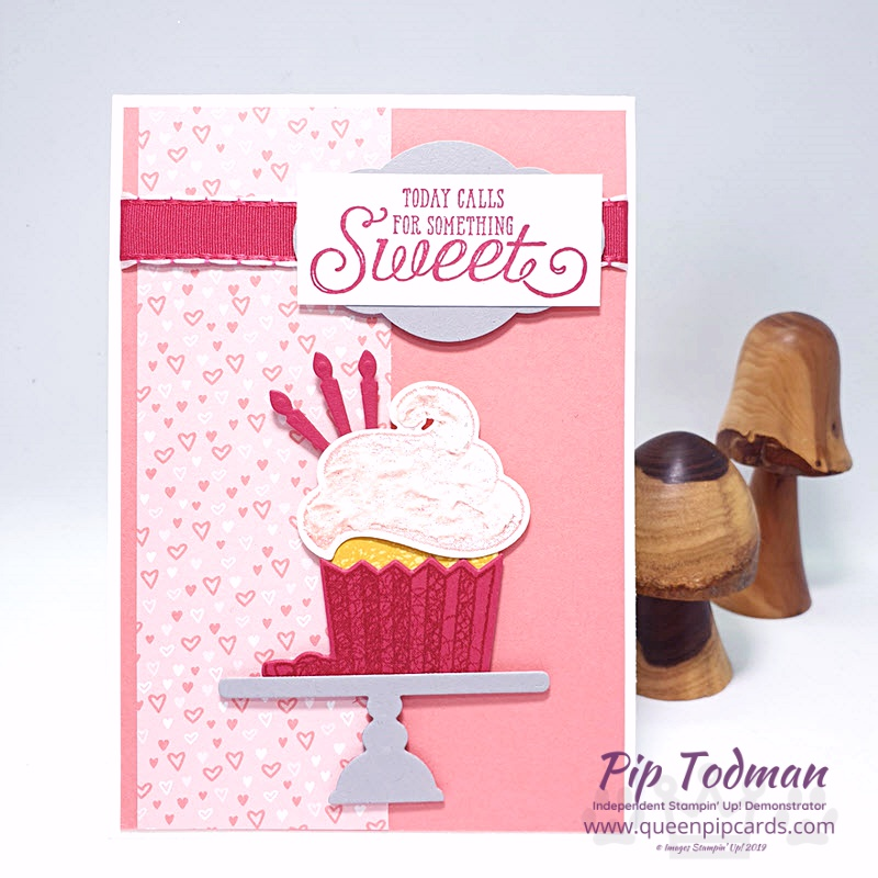 Cupcakes With New Framelit Dies - such a cute combination when you add in Shimmery White Embossing Paste!! Shop my online store here: http://bit.ly/QPCShop Pip Todman www.queenpipcards.com #queenpipcards #simplystylish #stampinup #simplestamping #papercraft